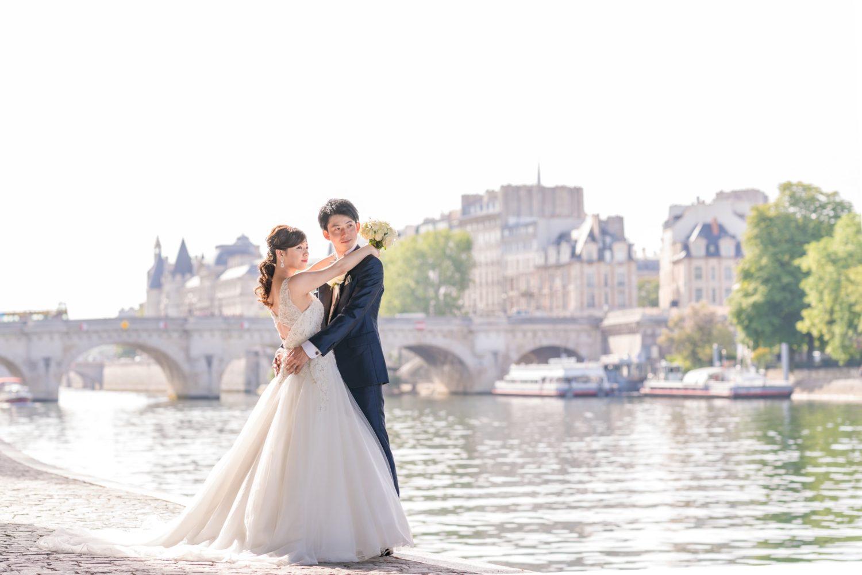 パリ中心地のウェディングフォトツアー撮影スポット③