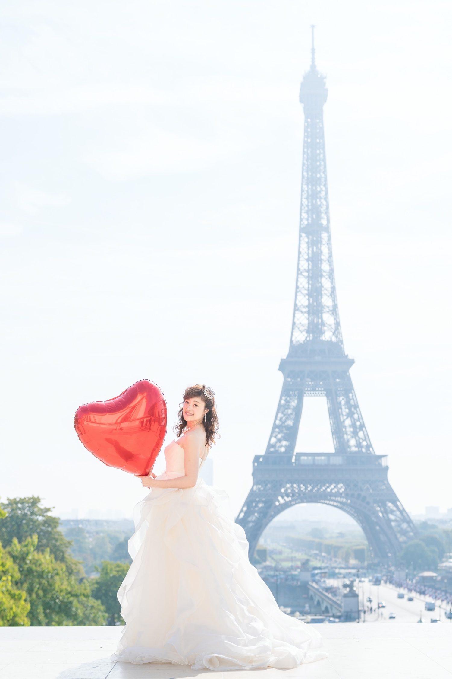 【エッフェル塔でウェディングフォト】 – パリのシンボル④