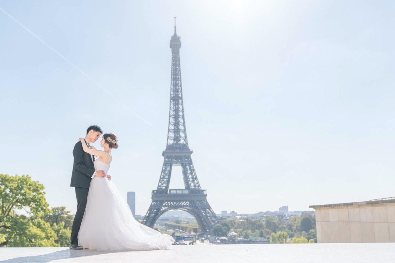【エッフェル塔でウェディングフォト】 – パリのシンボル①