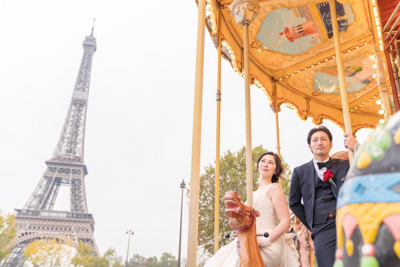 【エッフェル塔でウェディングフォト】 – パリのシンボル