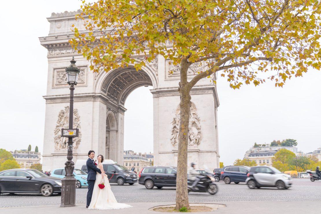 【凱旋門でウェディングフォト】 – もう一つのパリのシンボル